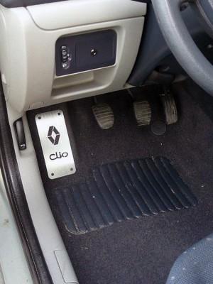 RENAULT CLIO FOOTREST - Quality interior & exterior steel car accessories and auto parts
