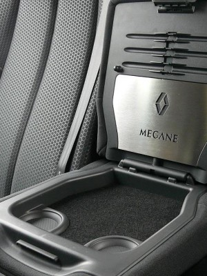 RENAULT MEGANE II REAR ARM REST STORAGE COVER - Quality interior & exterior steel car accessories and auto parts
