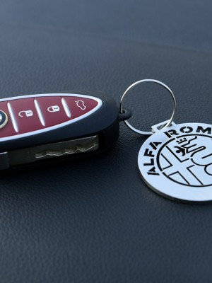 ALFA ROMEO NEW EMBLEM KEYRING - - Quality interior & exterior steel car accessories and auto parts