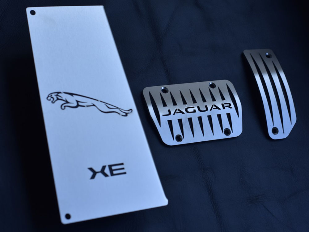 JAGUAR XE PEDALS AND FOOTREST - Quality interior & exterior steel car accessories and auto parts