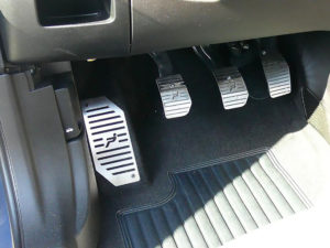 FIAT GRANDE PUNTO PEDALS AND FOOTREST - Quality interior & exterior steel car accessories and auto parts