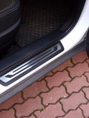 KIA SPORTAGE DOOR SILLS - Quality interior & exterior steel car accessories and auto parts