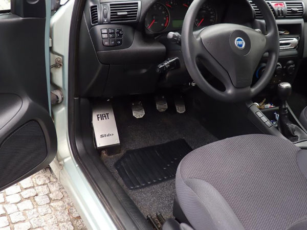 FIAT STILO PEDALS AND FOOTREST - Quality interior & exterior steel car accessories and auto parts
