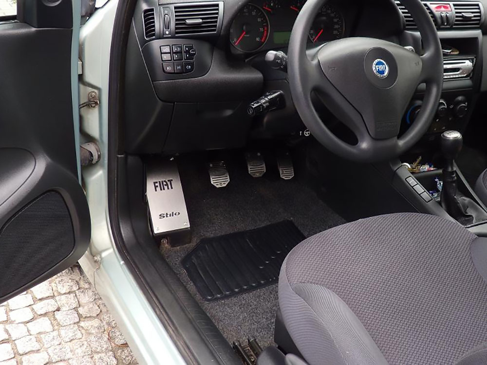 FIAT STILO PEDALS AND FOOTREST - autoCOVR | quality crafted ...