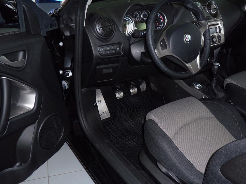 ALFA ROMEO MITO PEDALS AND FOOTREST - autoCOVR | quality crafted ...
