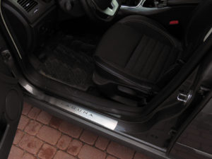 RENAULT LAGUNA III DOOR SILLS - Quality interior & exterior steel car accessories and auto parts