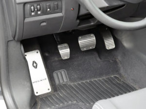 RENAULT MEGANE III PEDALS AND FOOTREST - Quality interior & exterior steel car accessories and auto parts