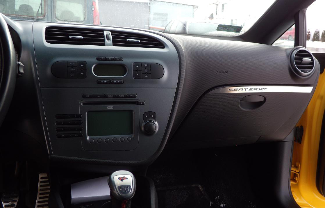 SEAT LEON II ABOVE GLOVE BOX COVER - autoCOVR | quality crafted ...