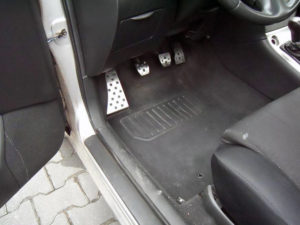 TOYOTA COROLLA PEDALS AND FOOTREST - Quality interior & exterior steel car accessories and auto parts