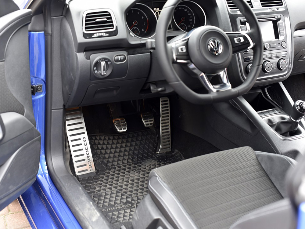https://autocovr.com/wp-content/uploads/2015/04/460-VW-25-3.jpg