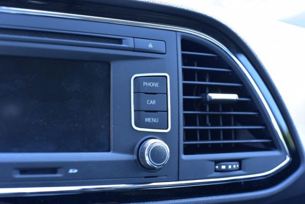 seat leon iii radio console buttons cover autocovr. Black Bedroom Furniture Sets. Home Design Ideas