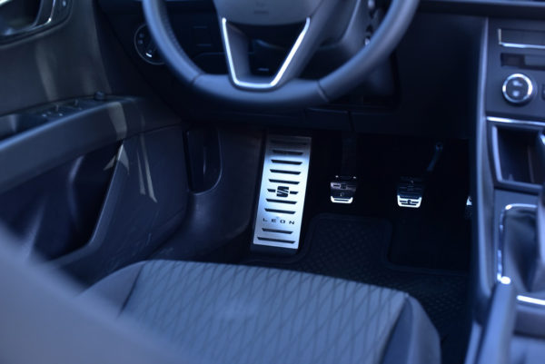 SEAT LEON III PEDALS AND FOOTREST - Quality interior & exterior steel car accessories and auto parts