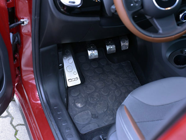 FIAT 500 L PEDALS AND FOOTREST - Quality interior & exterior steel car accessories and auto parts