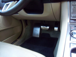 JAGUAR XF XJ PEDALS AND FOOTREST - Quality interior & exterior steel car accessories and auto parts
